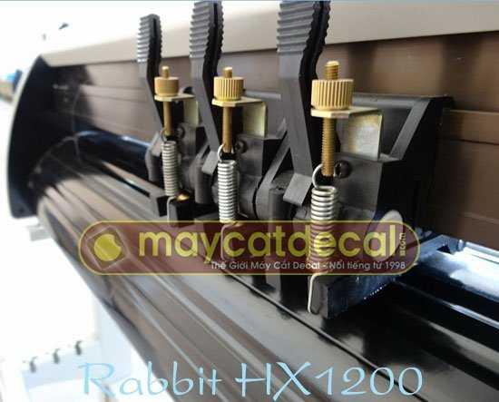 Nhìn từ phía sau máy cắt decal Rabbit HX1200