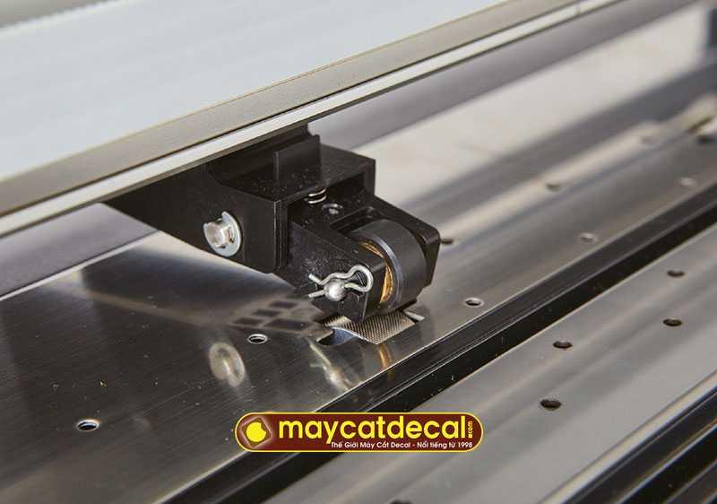Cần gạt bánh tỳ Graphtec CE7000 được cải tiến giúp giữ vật liệu tốt hơn
